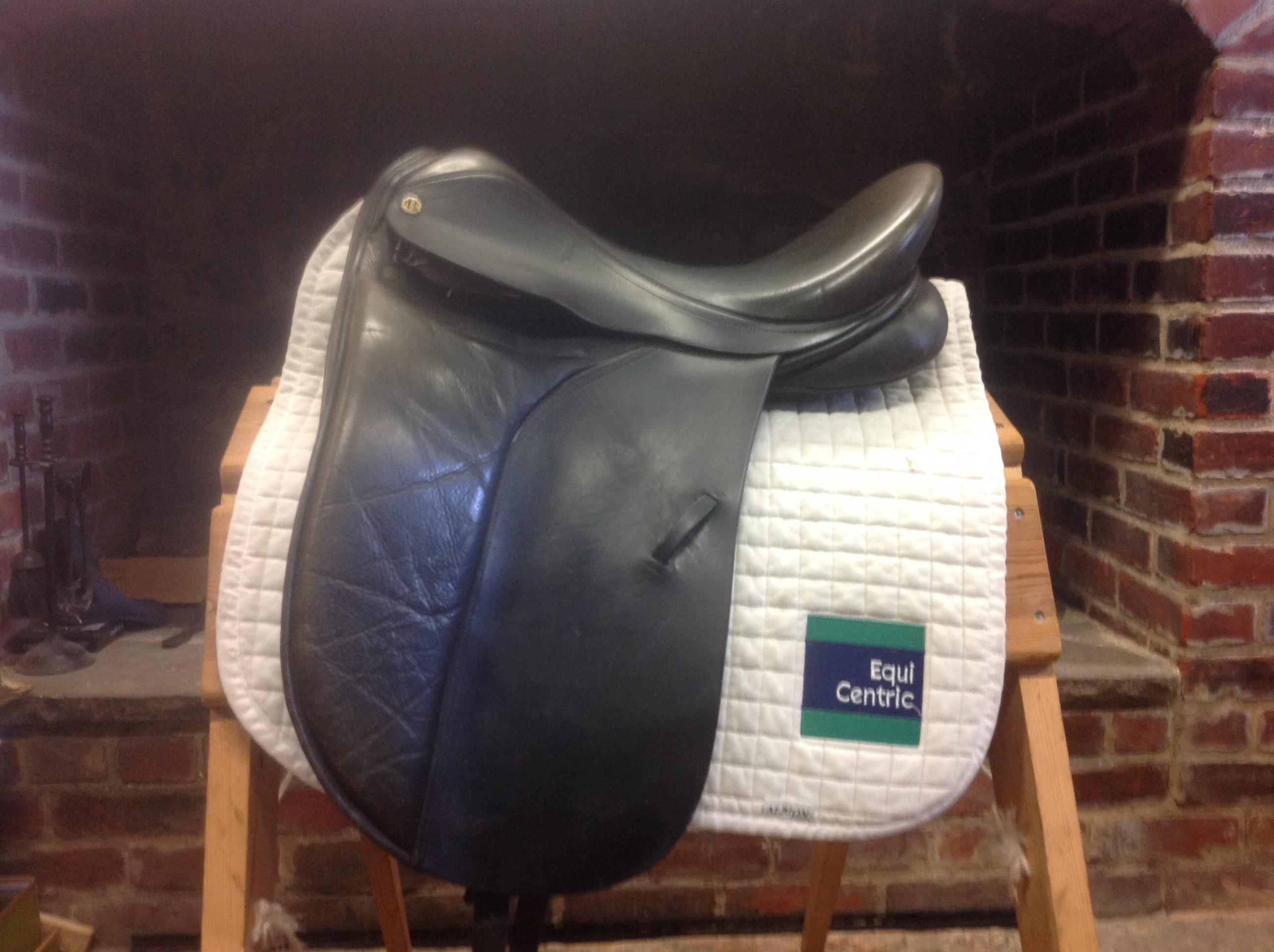 Barnsby Dressage Saddle No 189 163 350 Equicentric